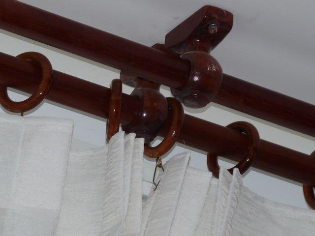 Khung gỗ treo rèm