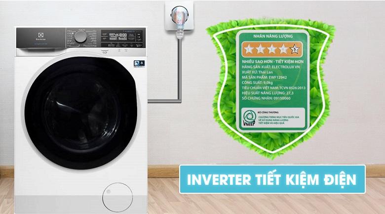 Công nghệ Inverter hiện đại và tiết kiệm năng lượng - Máy giặt sấy Electrolux Inverter 10 kg EWW1042AEWA