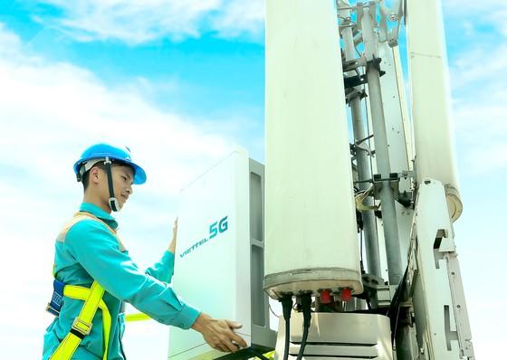 Viettel phát sóng thử nghiệm trạm 5G đầu tiên tại TPHCM